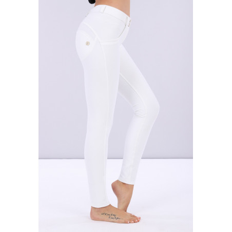 WR.UP® Regular Waist Skinny - Lustrous Shaping Pants - W - White