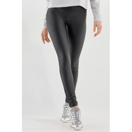 WR.UP® Ecoleather - High Waist Skinny - Matte Look With Piping - N - Black